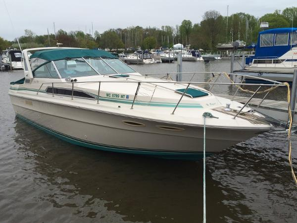 Sea Ray 340 Express Cruiser Exterior Profile