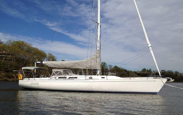 Santa Cruz 52 52' Santa Cruz starboard profile
