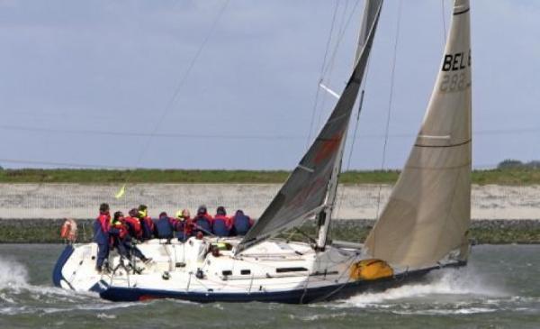 X-Yachts IMX-40 IMX40 sailing