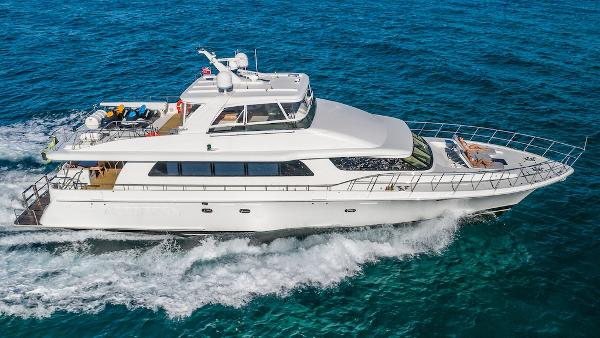 Cheoy Lee Bravo Flybridge Motor Yacht Starboard Profile Underway