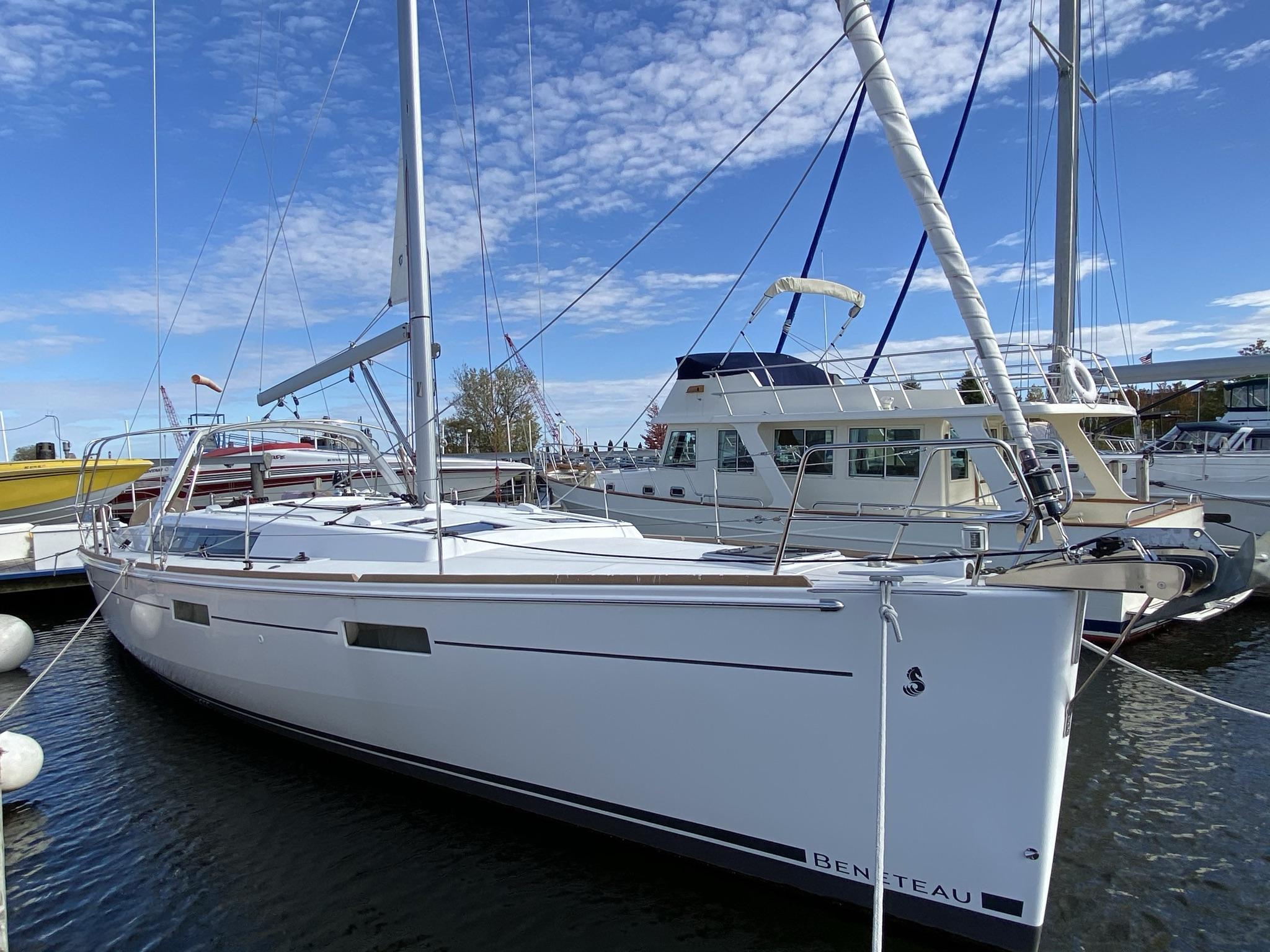 Beneteau Oceanis 45 At dock