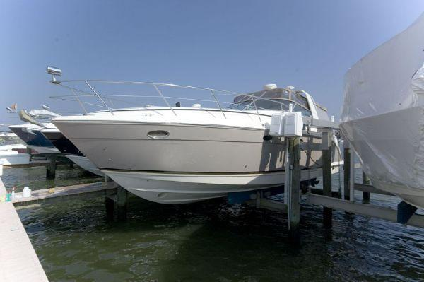 Rinker 410 Express Cruiser Port Profile