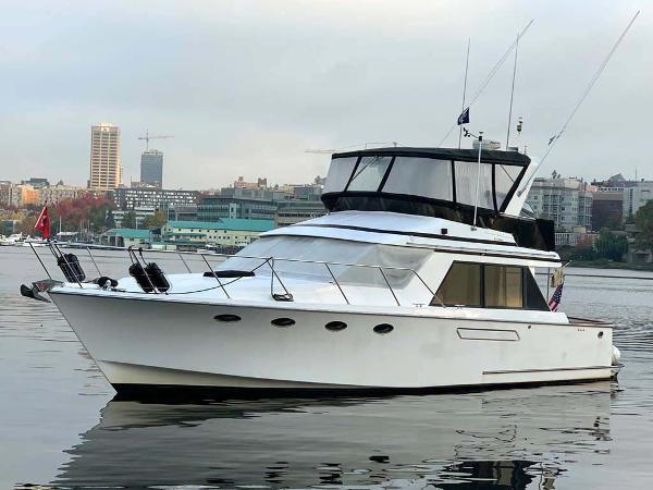 Ocean Alexander 42 Motor Yacht Port Side