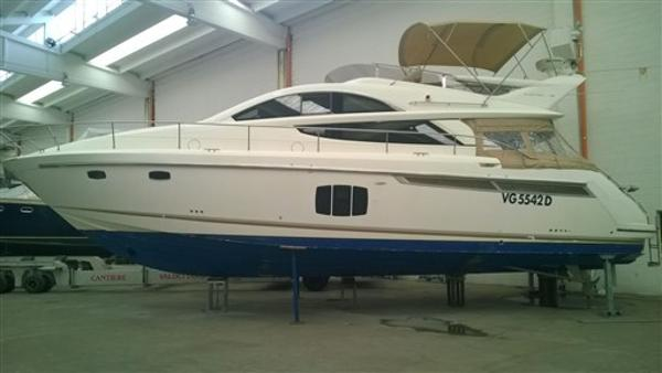 Fairline Phantom 48 IMG_8378