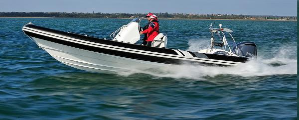 Cobra Ribs Nautique 8.0m Running Shot