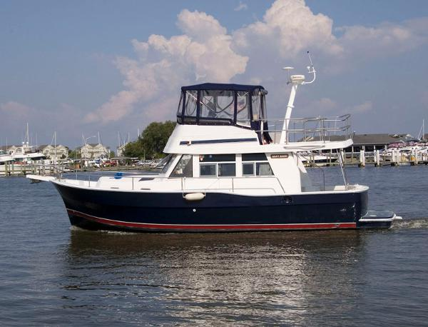 Mainship 390 Trawler Profile