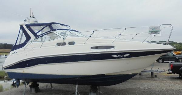 Sealine S28 Sealine S28 - Out of the water
