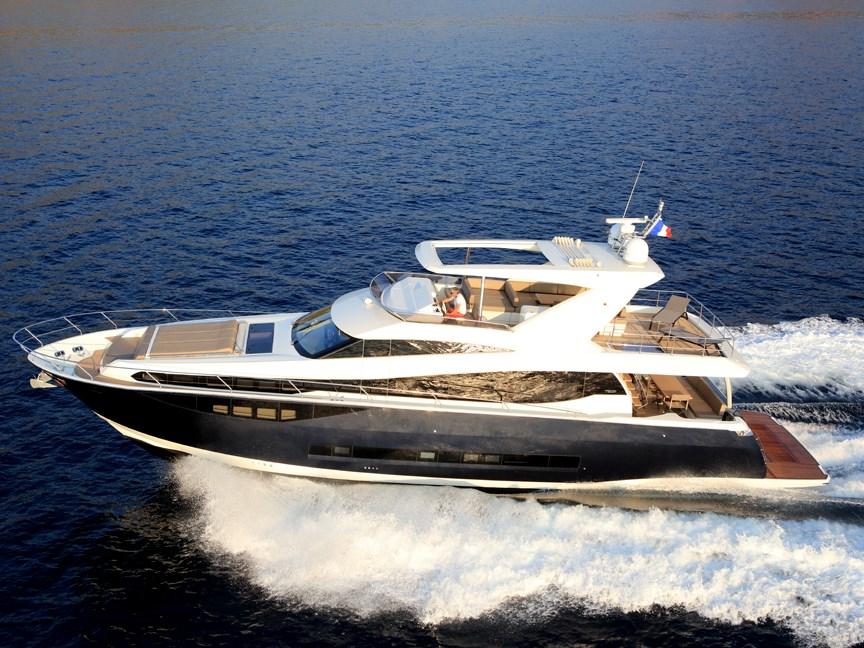 Prestige 750 Yacht Prestige 750