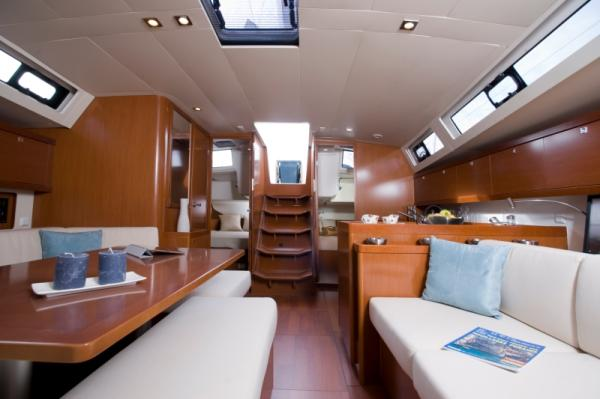 View from Master v-berth looking aft