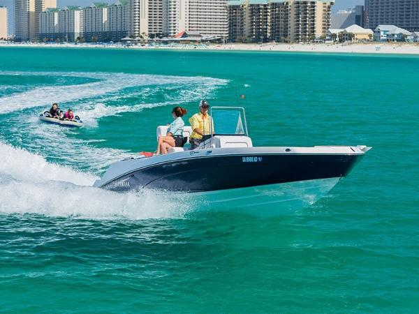 Yamaha Sport Boat 210 FSH Deluxe