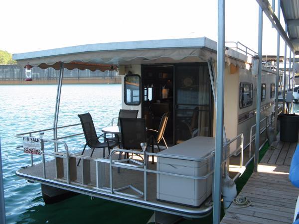 Landau Boat Co 12 x 40 Pontoon Houseboat