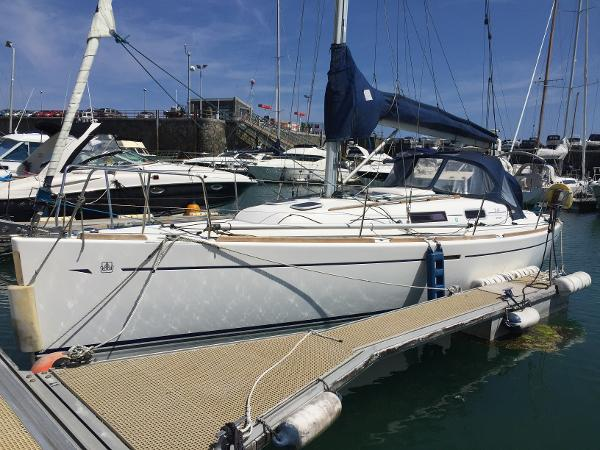 Dufour 34 Performance Dufour 34 Performance