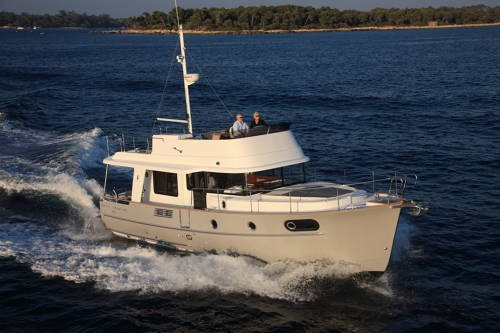 Beneteau Swift Trawler 44 Beneteau Swift Trawler 44 at Sea