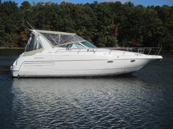 Cruisers Yachts 3570 Esprit Starboard View