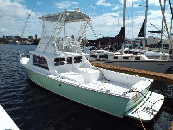 Bertram 31 Portside Profile 1