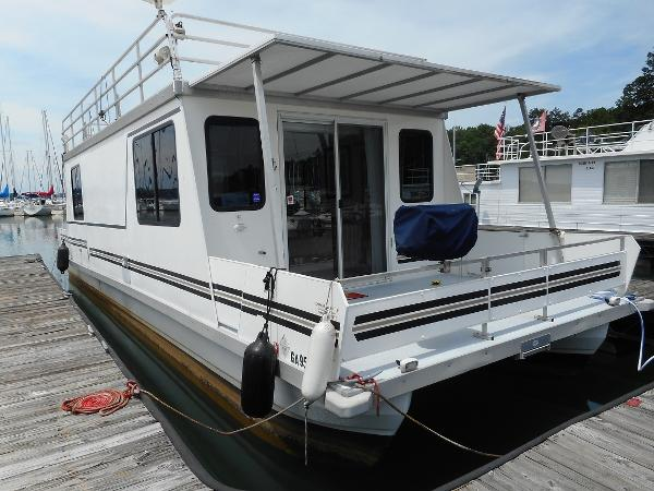 Catamaran Cruisers Vagabond Starboard View at Dock