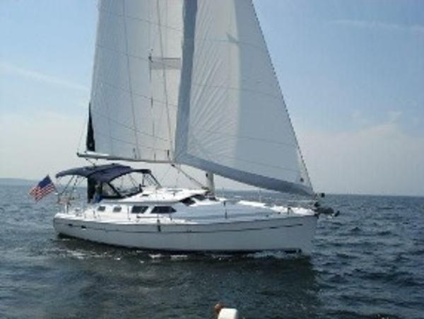 Hunter 41 Deck Salon Hunter 41ds under sail