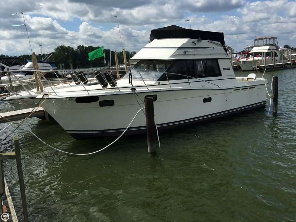 Carver 32 Convertible 1985 Carver 32 Convertible for sale in Newport, MI