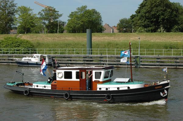 Tugboat motor