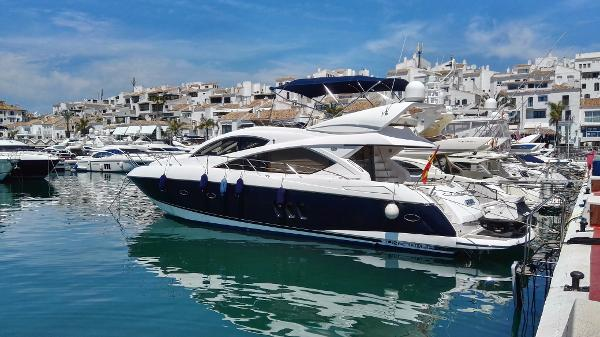 Sunseeker Manhattan 60 In Port