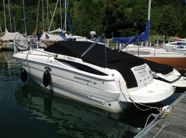 Monterey 250 CR MONTEREY 250 CR at dock