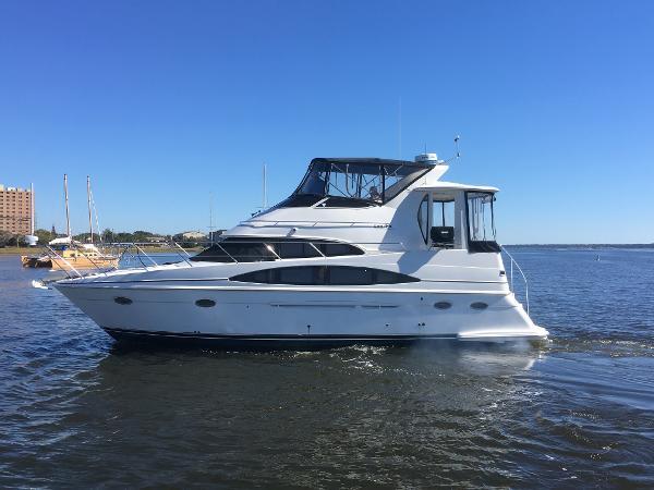Carver 396 Aft Cabin Motoryacht Profile