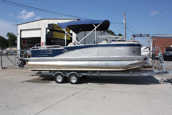 Avalon 23 ft. Catalina DRL