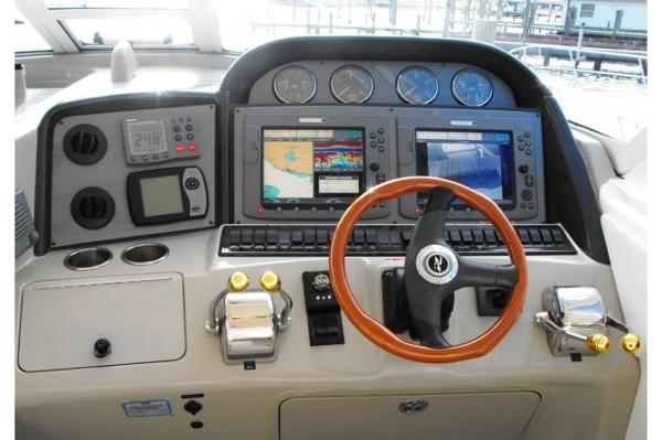 Twin Raymarine E120, Camera, Radar, Auto pilot