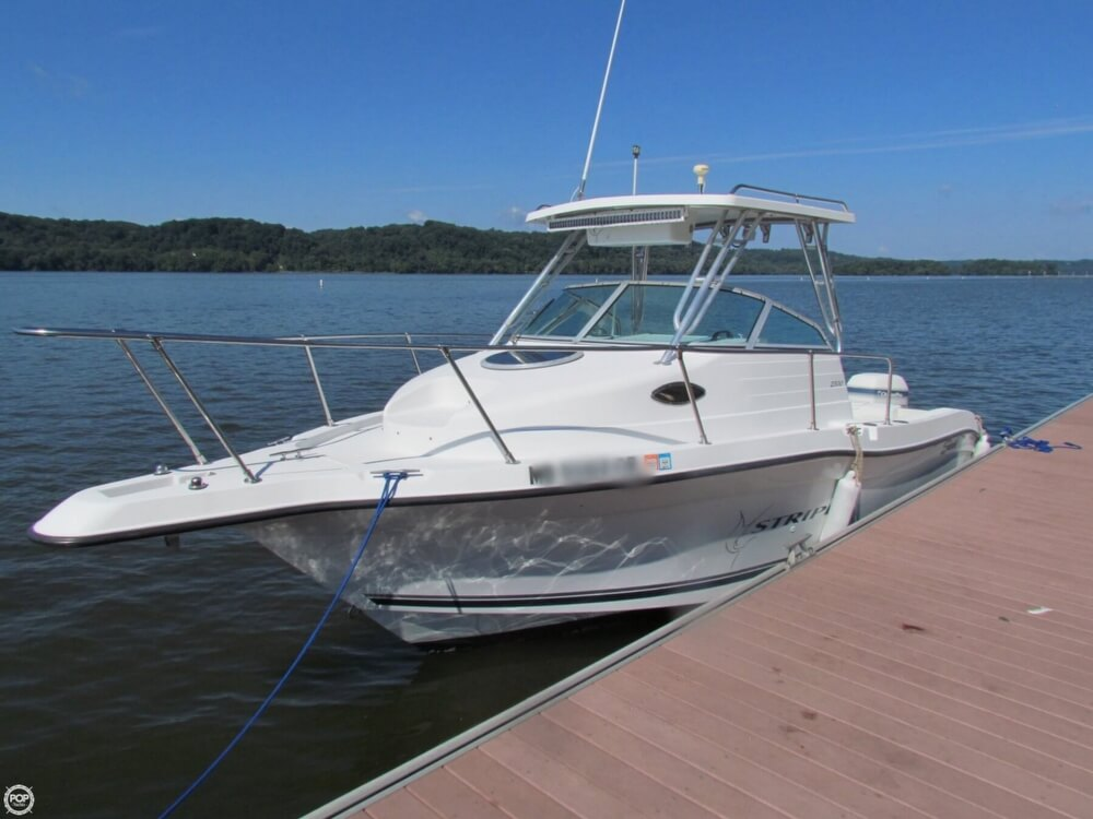 Seaswirl 2300 Striper 2001 Seaswirl Striper 2300 for sale in Colora, MD