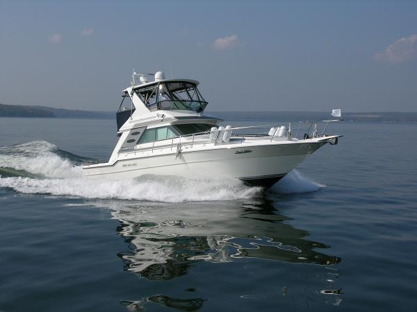Sea Ray 44 CONVERTIBLE