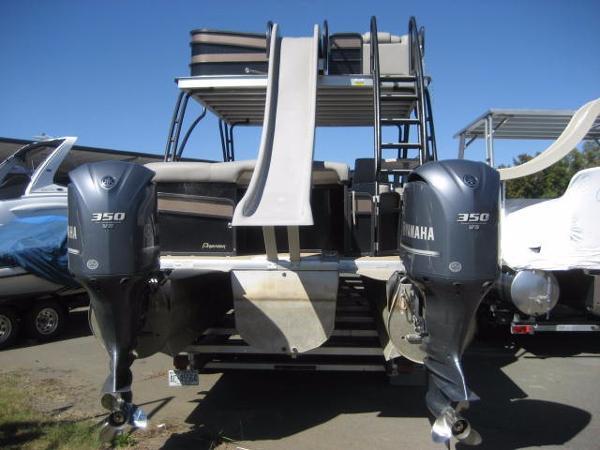 Premier 310 Sky Dek - 700 hp