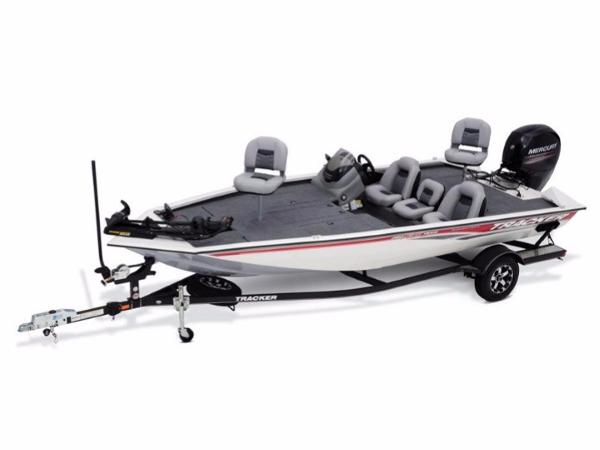 Tracker Pro Team™ 195 TXW Tournament Edition With trailer