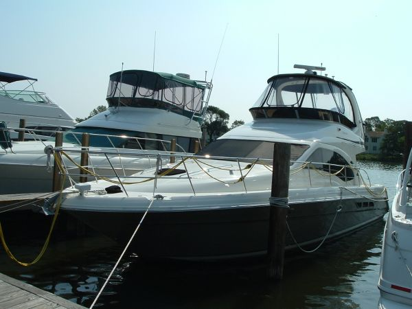 Sea Ray 44 Sedan Bridge Photo 1