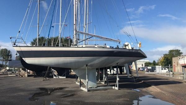 Royal Huisman 43 Frers Design