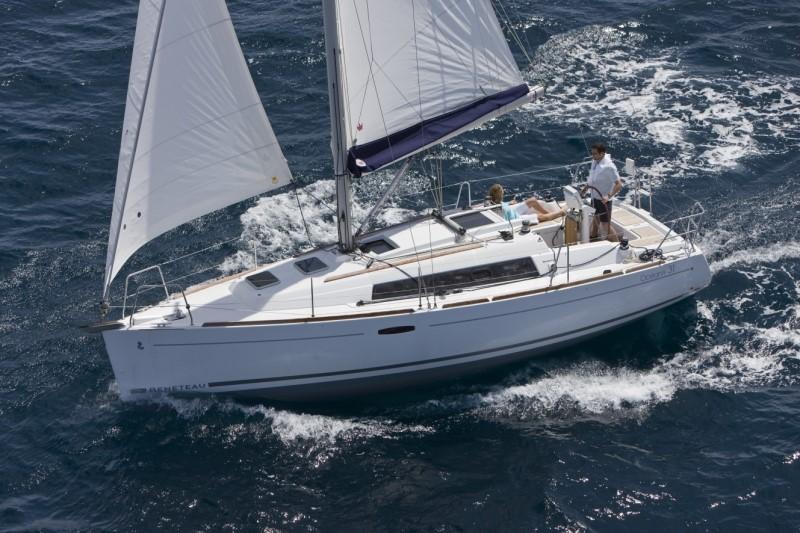 Beneteau Oceanis 31 Beneteau Oceanis 31 Sailing