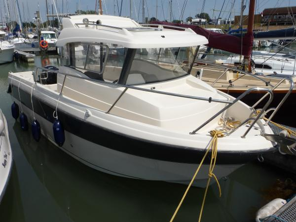 Parker 660 Pilothouse Parker 660 Pilothouse on home berth