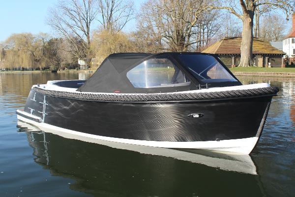 Corsiva 595 Tender - Carbon Edition
