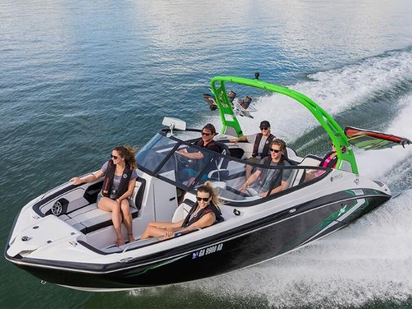 Yamaha Sport Boat 212X