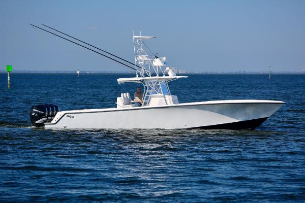 SeaVee 39 Center  Console
