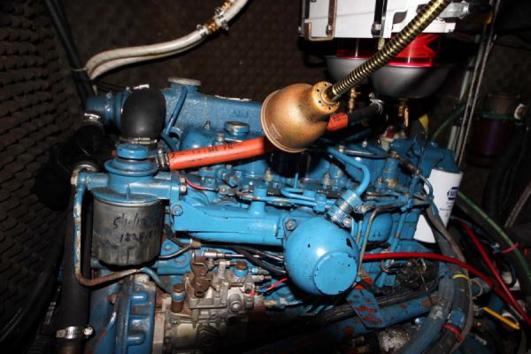 62-HP Perkins 4154 diesel w/ 1800 hours