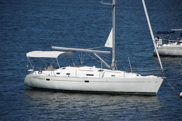 Beneteau 381 - Two Stateroom Beneteau 381 Current Address Profile on mooring