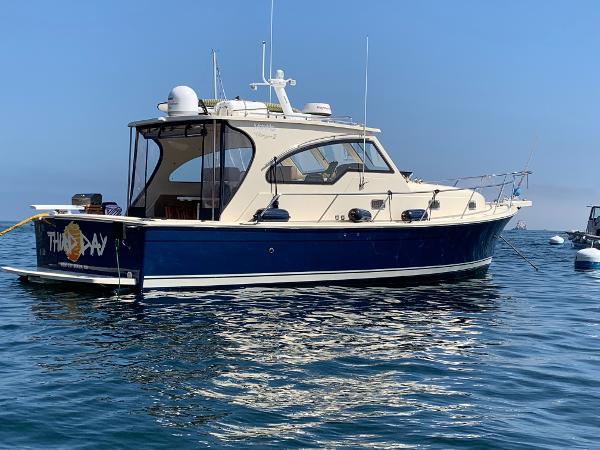 Mainship 34 Pilot Sedan Rum Runner Ii
