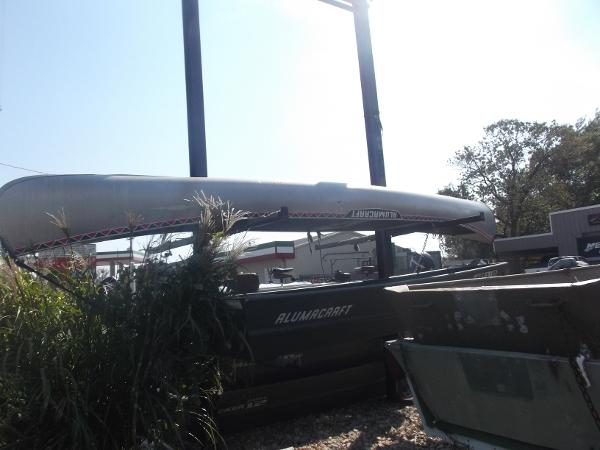 Alumacraft Canoe
