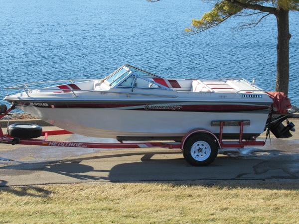 1986 CELEBRITY 210 VBR - New 2017 Boats & Dock Rentals