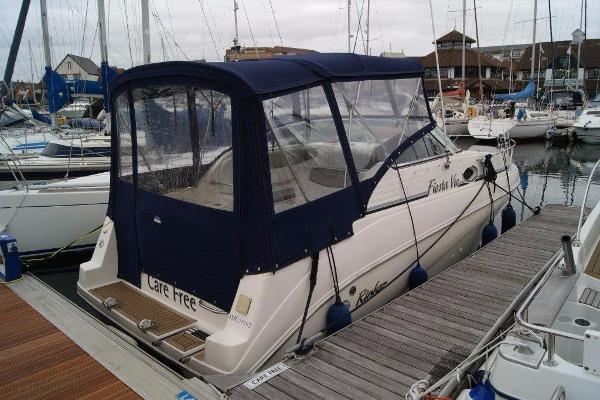 Rinker 242 Fiesta Vee Starboard side