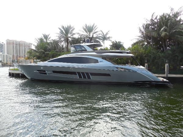 Lazzara Motoryacht Port Profile