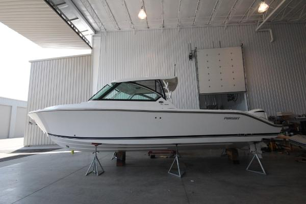 Pursuit DC 325 Dual Console Port side hull