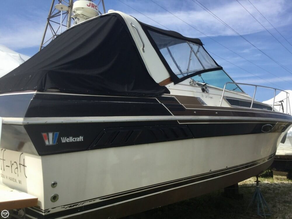 Wellcraft St Tropex Ex 3200 1985 Wellcraft St Tropez 3200 for sale in Saint Joseph, MI