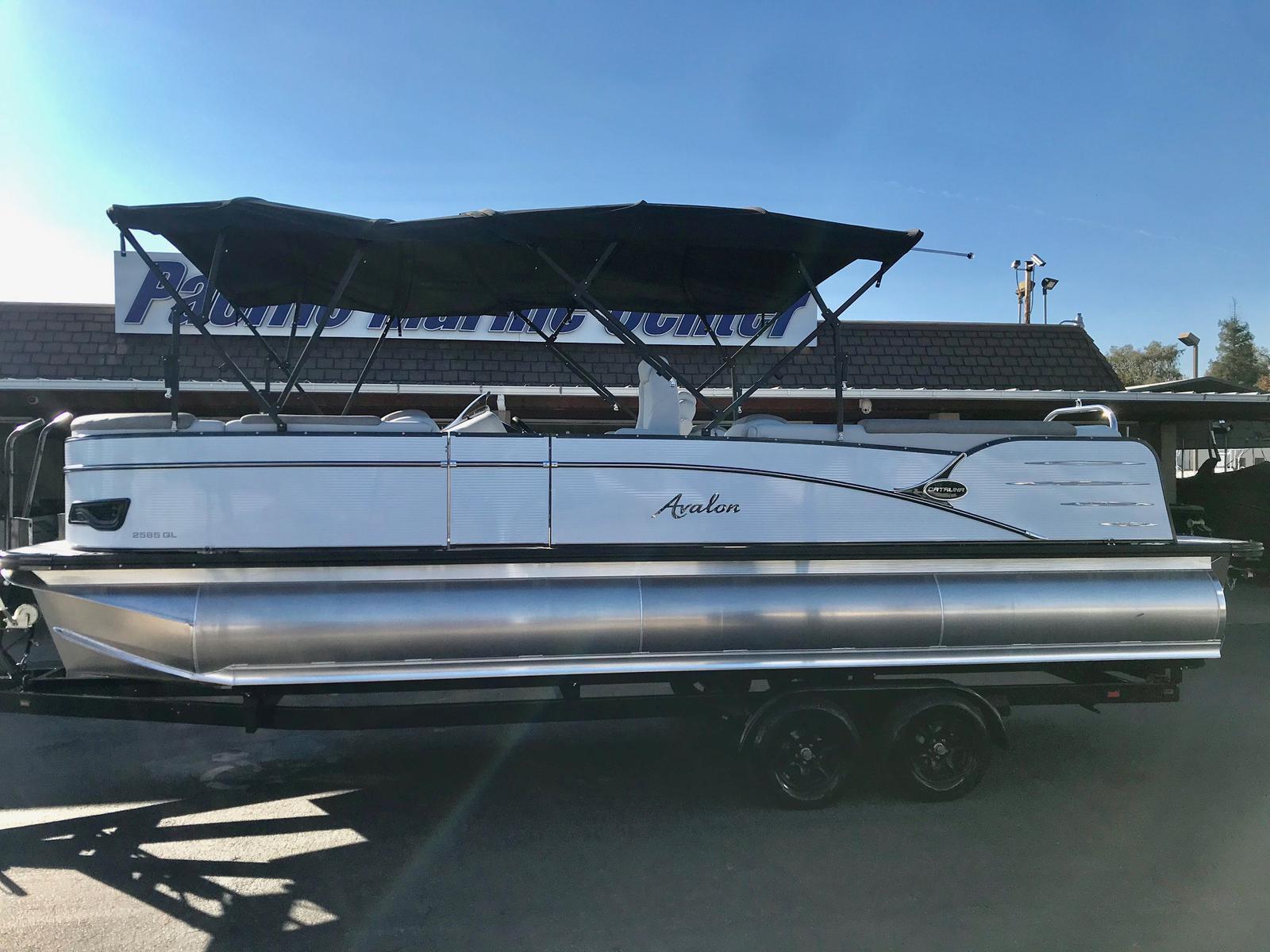 Avalon Catalina Quad Lounge 25' w/ 250 HP Mercury Verado!