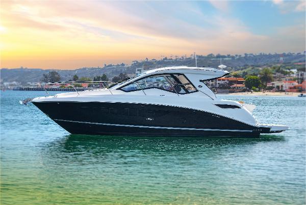 Sea Ray Sundancer 350 Coupe